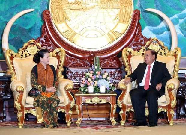 NA Chairwoman meets Lao top leader hinh anh 1