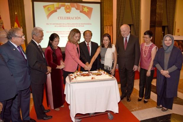 Vietnam, Spain boost strategic partnership hinh anh 1