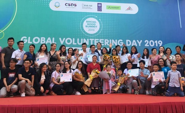 Volunteering day calls for youth's actions against climate change hinh anh 1