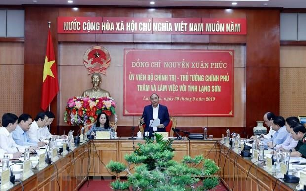 Prime Minister works with Lang Son province's leaders hinh anh 1