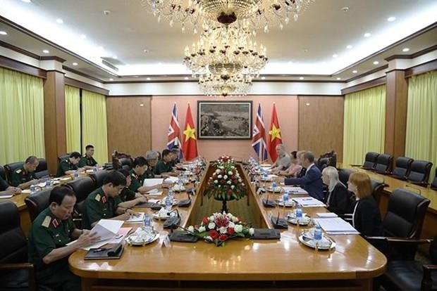 Vietnam, UK hold second defence policy dialogue hinh anh 1