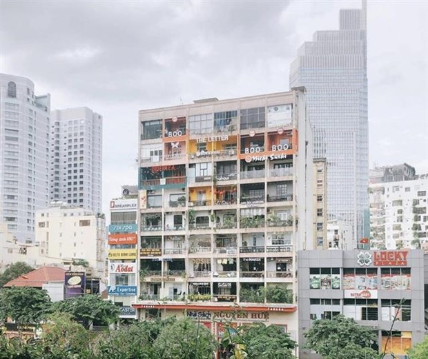 Decrepit buildings find new commercial use in cities hinh anh 1