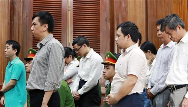 Two ringleaders in fake cancer drug case jailed for total 37 years hinh anh 1