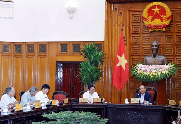 13th Party Congress' socio-economic sub-committee convenes meeting hinh anh 1