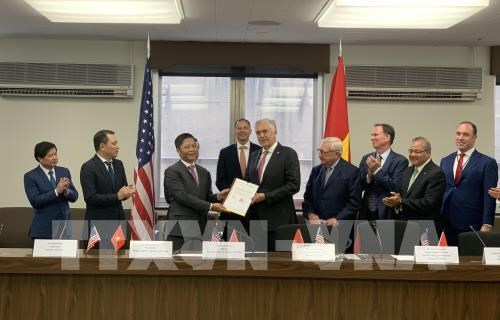 Vietnam, US establish comprehensive energy cooperation partnership hinh anh 1