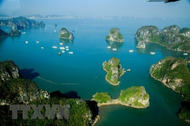 Ha Long city develops sustainable tourism hinh anh 1