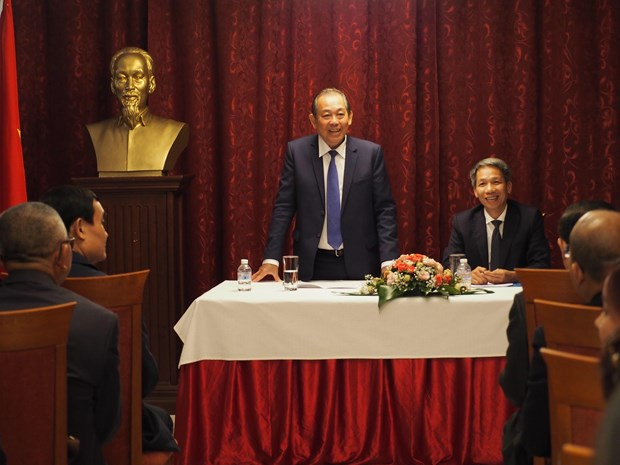Deputy PM meets with Vietnamese expats in Bulgaria hinh anh 1