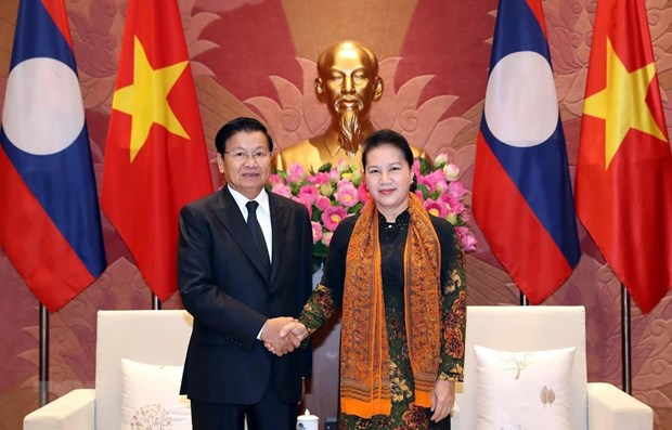 NA leader welcomes Lao PM in Hanoi hinh anh 1