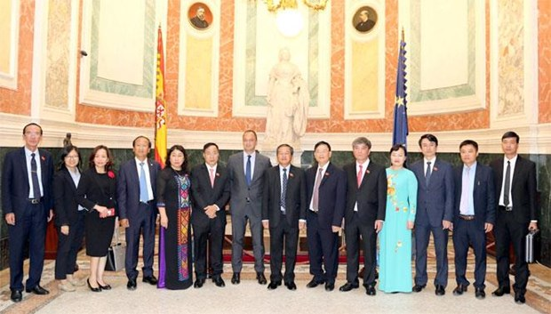 Spain wants new breakthroughs in relations with Vietnam: official hinh anh 1