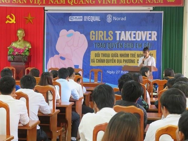 Swedish Ambassador, Vietnamese girl join #GirlsTakeover campaign hinh anh 1