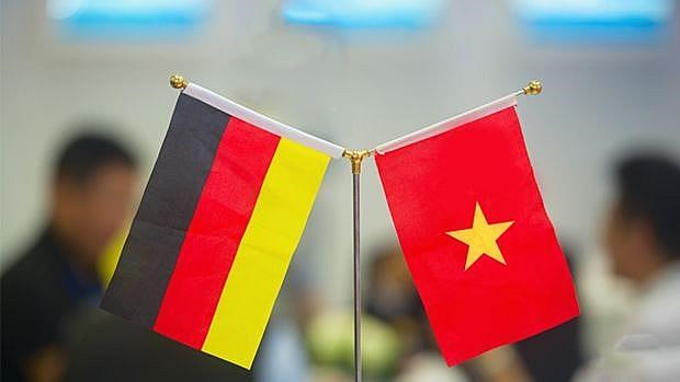 Top leaders congratulate Germany on Unity Day hinh anh 1