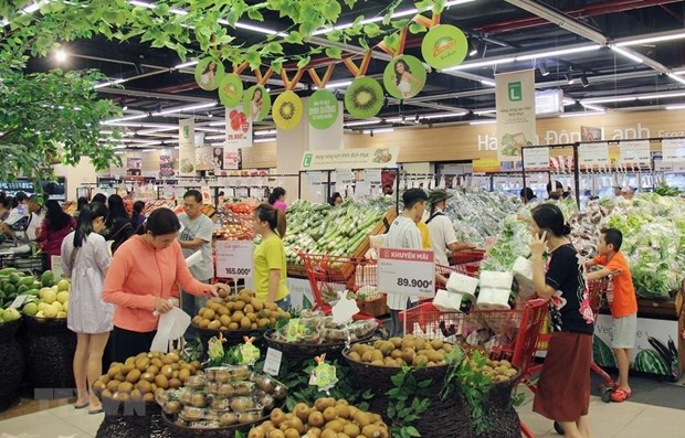 Vietnam's retail sales rise on strong consumer demand hinh anh 1