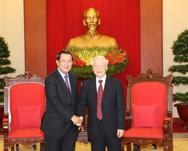 Party leader-President Nguyen Phu Trong receives Cambodian leader hinh anh 1