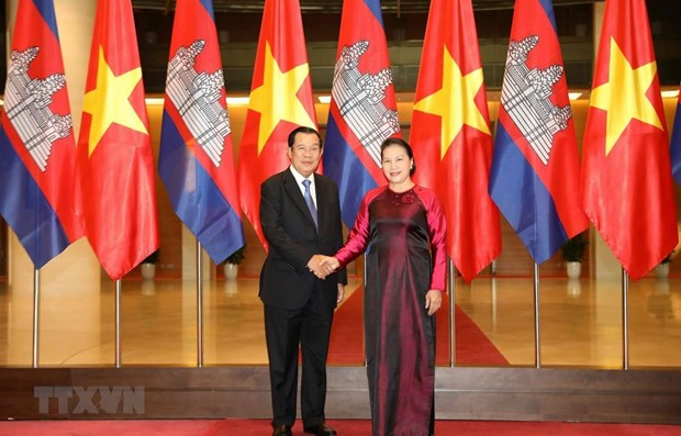 National Assembly Chairwoman meets Cambodian Prime Minister hinh anh 1