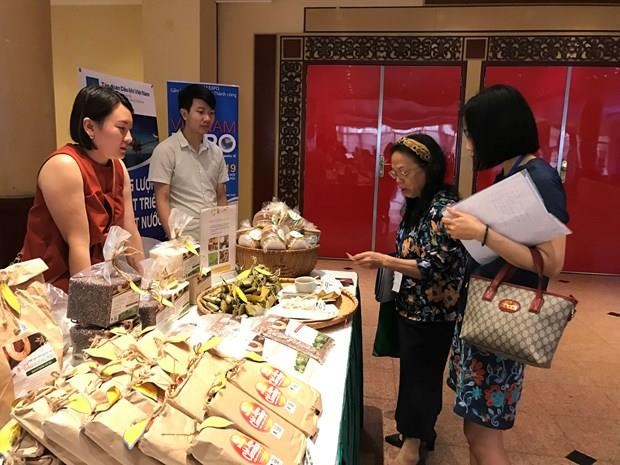 Vietnamese firms promote trade in Romania, Bulgaria hinh anh 1