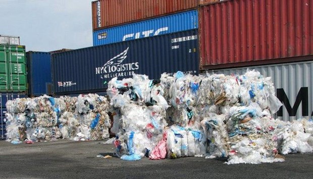 Number of scrap containers stuck at ports reduced by half hinh anh 1