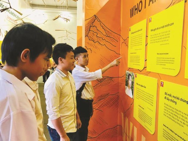 Hanoi exhibition shares orphans' dreams hinh anh 1