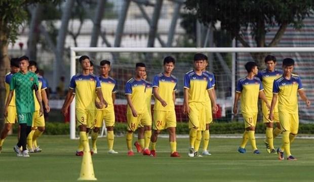 Vietnam leave for U19 Bangkok Cup hinh anh 1