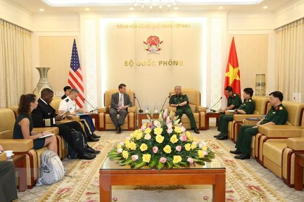 Vietnam, US seek to expand defence cooperation hinh anh 1