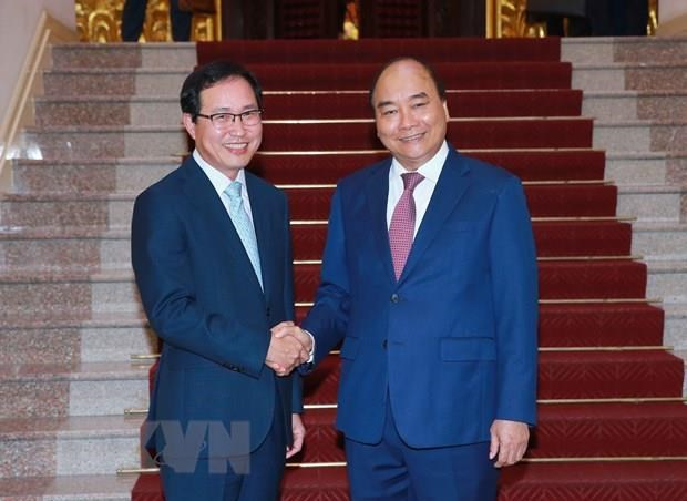 Prime Minister commits support to Samsung Vietnam hinh anh 1