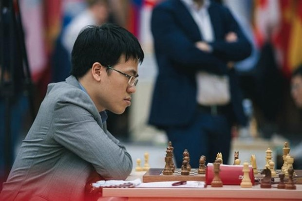 Vietnamese grandmasters compete at England's Grand Swiss Tournament hinh anh 1