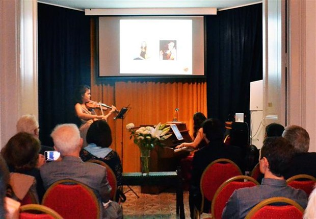 Music show marks 10 years of Vietnamese composer's Swiss recognition hinh anh 1