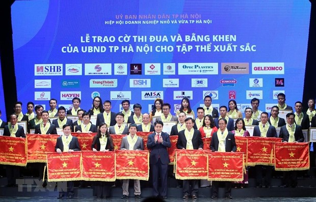 Nearly 200 outstanding Hanoi enterprises honoured hinh anh 1