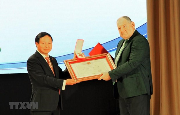 Vietnam presents Friendship Order to Pyatigorsk State University hinh anh 1