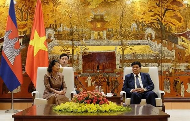 Hanoi, Phnom Penh look to foster cooperation hinh anh 1