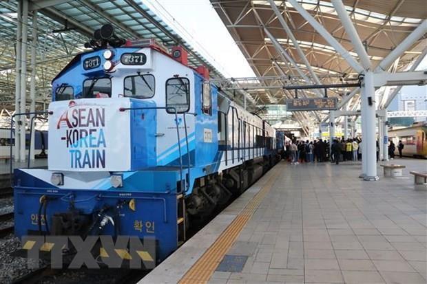 ASEAN – Korea train spotlights friendship and cooperation hinh anh 1