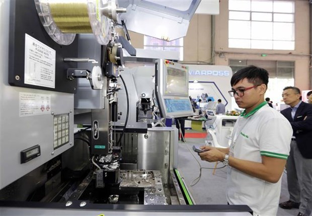 Exhibition on mechanical engineering industry opens in Hanoi hinh anh 1