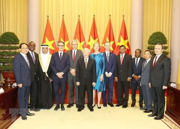 Party, State leader welcomes newly-accredited foreign ambassadors hinh anh 1