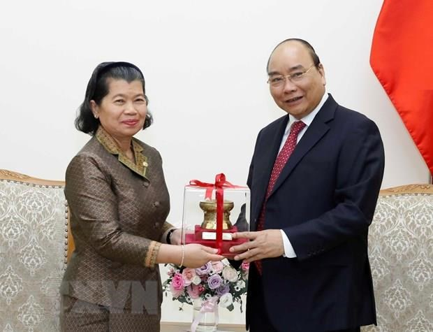Vietnam treasures traditional friendship with Cambodia: PM hinh anh 1
