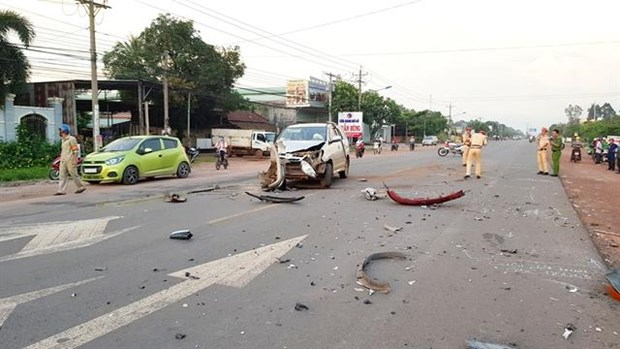 Drink, drugs are main causes of traffic accidents: Deputy PM hinh anh 1