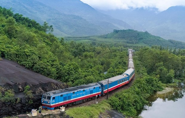 Laos plans to begin work on Laos-Vietnam railway in 2021 hinh anh 1