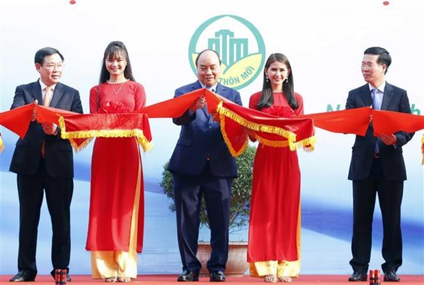 PM attends opening of exhibition on new-style rural area development hinh anh 1