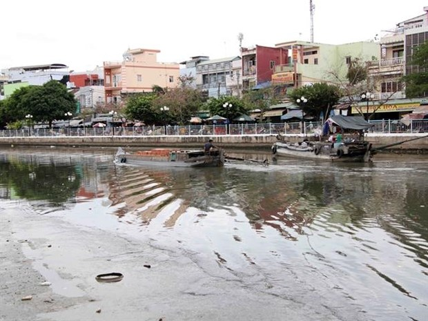 Nearly 90 percent of city sewage ends up in rivers hinh anh 1