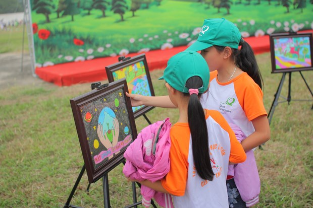 Festival day lights up children's dreams hinh anh 1