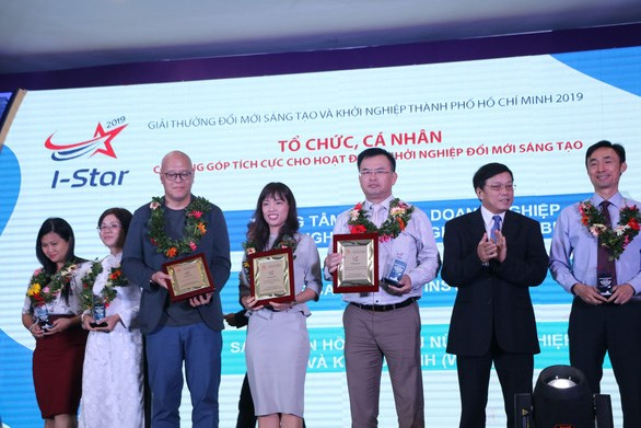 HCM City's I-Star awards presented to 12 winners hinh anh 1