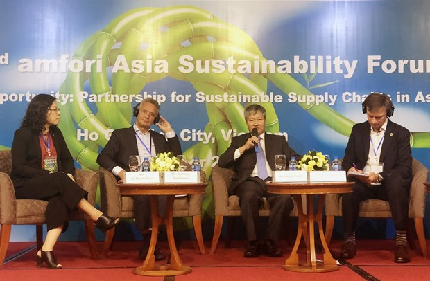 Sustainable development key to joining global chain hinh anh 1