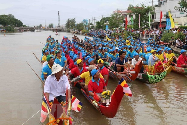 Ooc Om Bok festival promotes traditional values of Khmer people hinh anh 1
