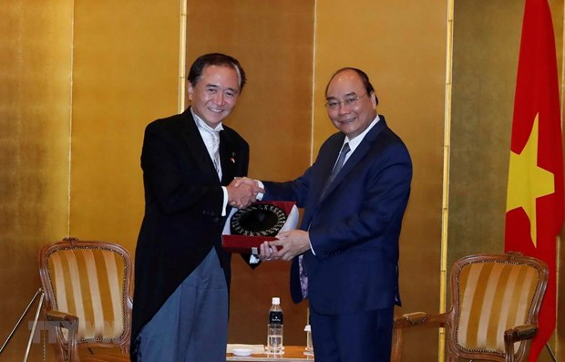 Prime Minister receives leaders of Japanese locality, newspaper hinh anh 1