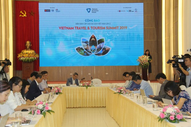 Hanoi to host travel and tourism summit in December hinh anh 1