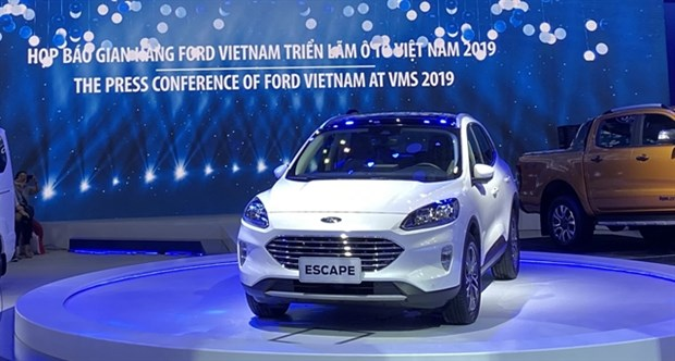 Ford to bring at least one new car to Vietnam every year hinh anh 1