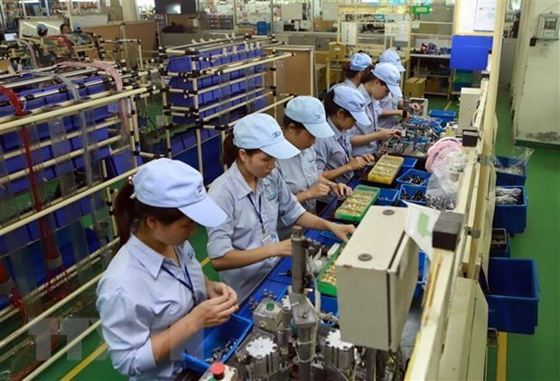 Hanoi records 7.35 percent economic growth in first three quarters hinh anh 1