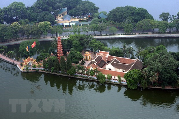 Foreign arrivals to Hanoi surge 10.8 percent hinh anh 1