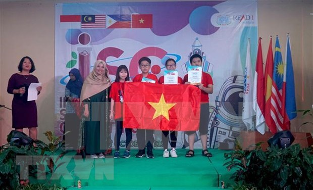 Hanoi students win four gold medals at Int'l Science Competition hinh anh 1