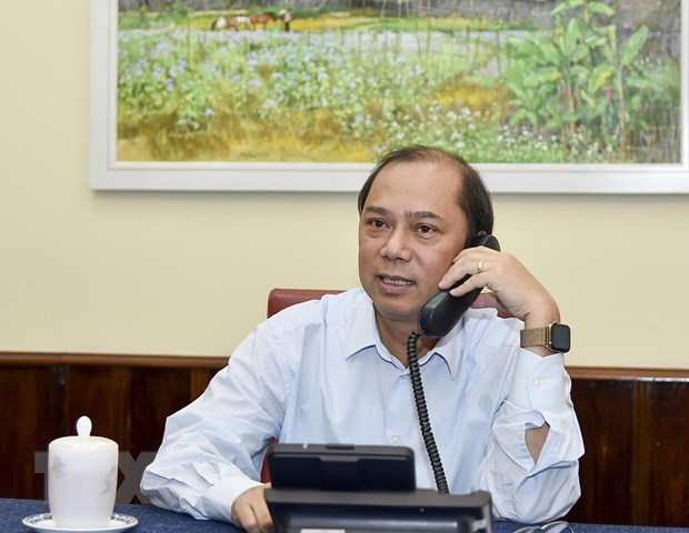 Deputy FM makes phone call to British official over lorry deaths hinh anh 1