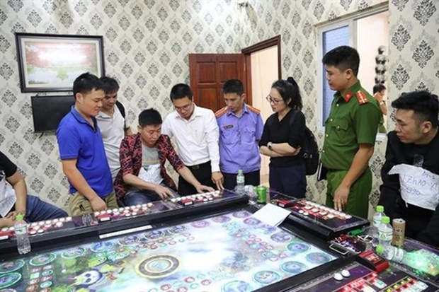 Bac Ninh police break five Chinese-owned gambling dens hinh anh 1