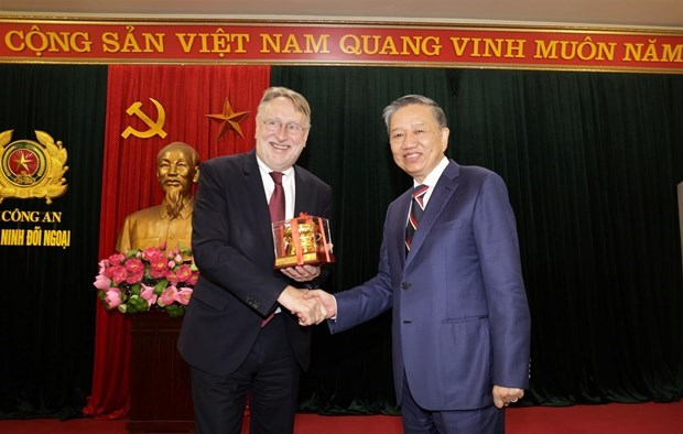 Minister of Public Security delighted at growing Vietnam-EU ties hinh anh 1
